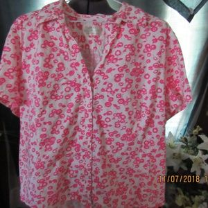Tops - JB530.  Beautiful Pink Flowered Blouse. Size 2X